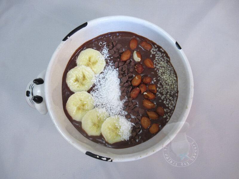 Smoothie bowl chocolat beurre de cacahuètes