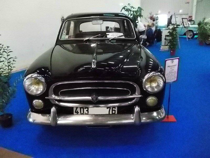 Peugeot403-8av