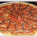 Tarte aux oignons, aux tomates et aux anchois