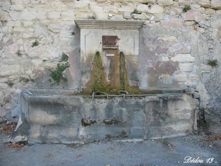 36_Photo_164_FONTAINE_DEVANT_LE_VIEL_HOPITAL_RU_DU_PLAN_DU_SAULE