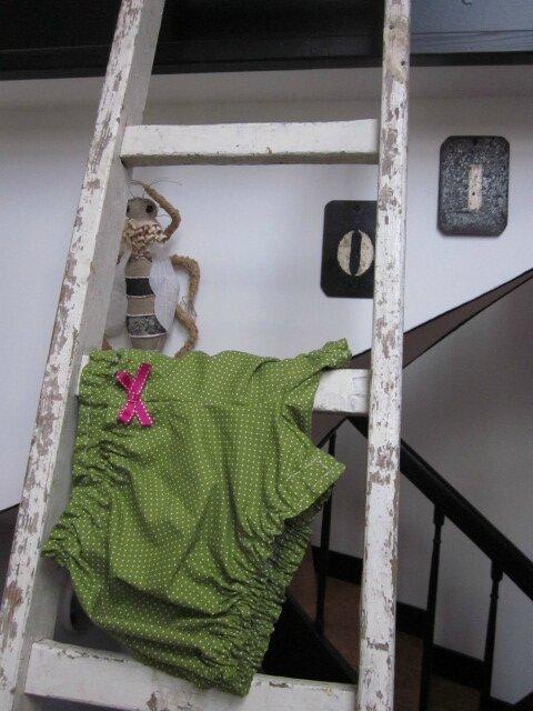 Culotte BIANCA en coton vert salade à pois tête d'épingle - noeud rose vif (2)