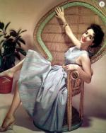 Wicker_sitting_inspiration-liz_taylor-1
