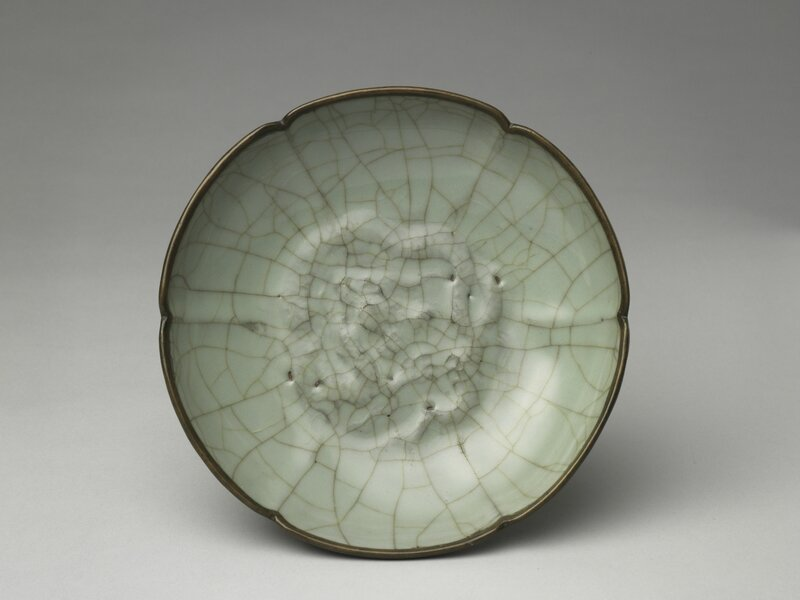 Dish with dragon design in celadon glaze, Guan ware, Southern Song dynasty, 12th-13th century