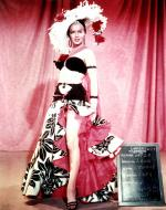 1954-08-05-TNBLSB-test_costume-travilla-mm-010-1