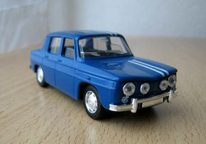 Renault 8 01 -Solido-