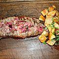 Hampe de boeuf à la plancha, sauce oignon rouge et romarin