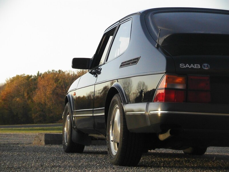 classic_saab_900_by_boosted_vulpine-d40e5kj