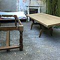 Table de ferme. Ponçage. DR Le Meuble du Photographe.