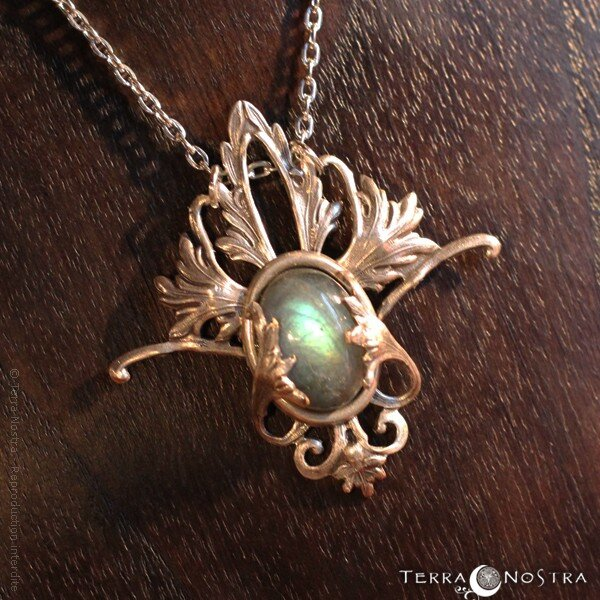 fairy-dust-elven-pendant