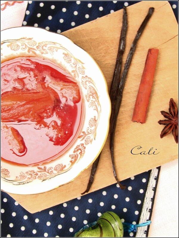 Rhubarbe pochée au jus de Fraise épicé 002