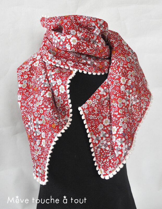 foulard-merci maitresse-JUNE'S MEADOW ROUGE-mini pompon