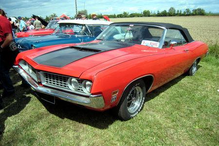 Ford_torino_GT_convertible_de_1971__4_me_F_te_Autor_tro__tang_d__Ohnenheim__01
