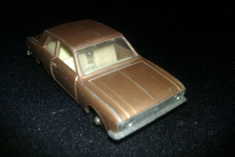 25d_Ford Cortina_02