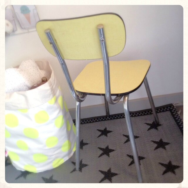 chaise-retro-vintage-formica-jaune-decotrendy-04