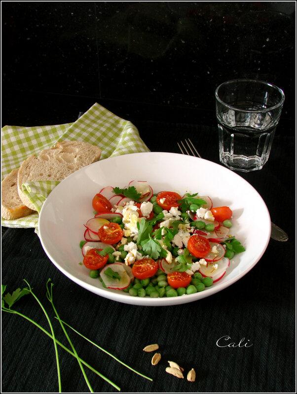 Salade de Petits Pois, Radis, Tomates et Feta de Chèvre, Vinaigrette à la Cardamome & au Safran 001