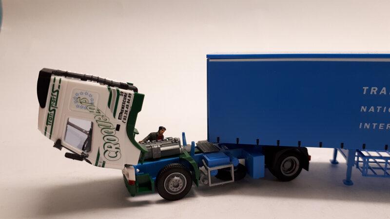 #54528-Volvo FH 12 Croquelois (4)