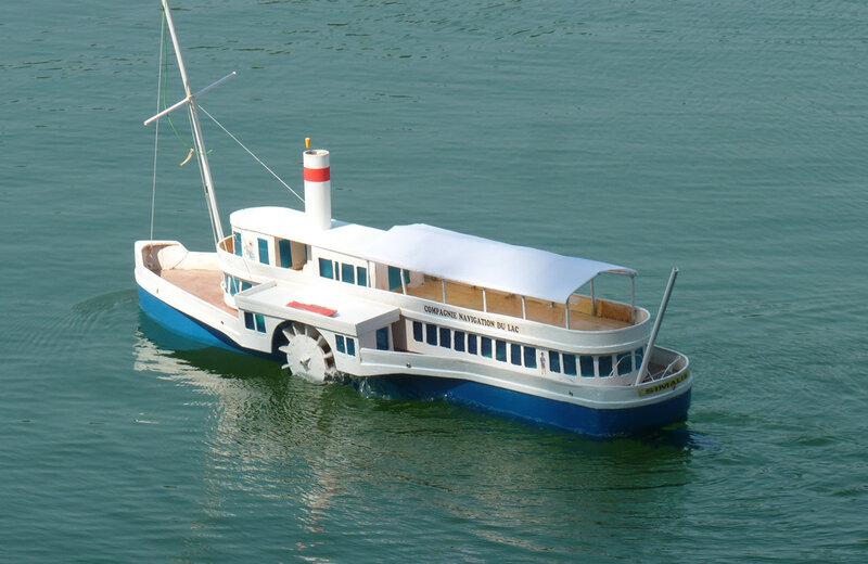 le navire a roue de notre visiteur