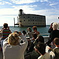 Le bateau contournant Fort Boyard (17)