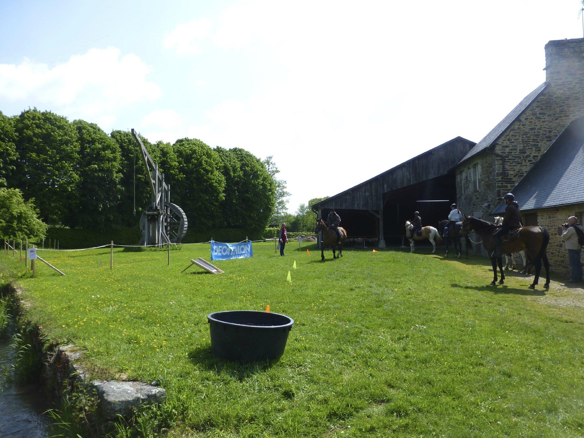 balade à cheval médiévale - Abbaye de Hambye (243)