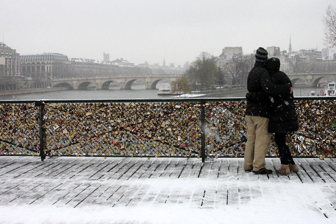 Amoureux, Pont des arts, Neige_7682