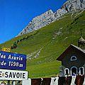 Montée cycliste pour un belvédère sur le mont-blanc : le col des aravis,par la croix-fry.. (chaîne des aravis/haute-savoie)