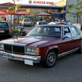Ford LTD 4door sedan de 1979 (Rencard du Burger King juin 2010) 01