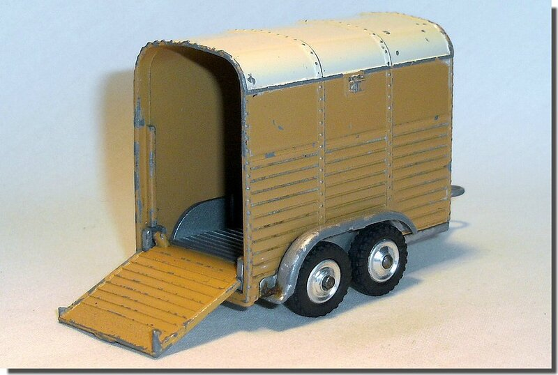 Corgi Toys #102 Pony Trailer Version 2 C