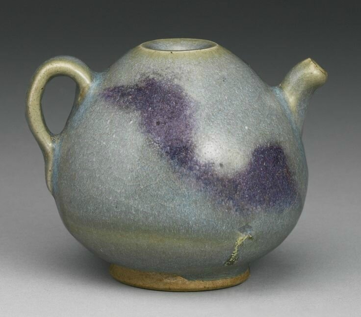 A purple-splashed 'Junyao' ewer, Jin Dynasty