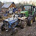 tracteurs dans la boue à nddl