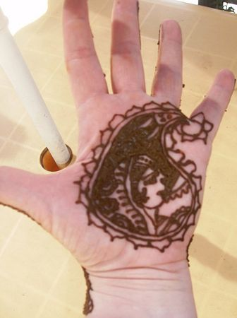 henna_indian_face
