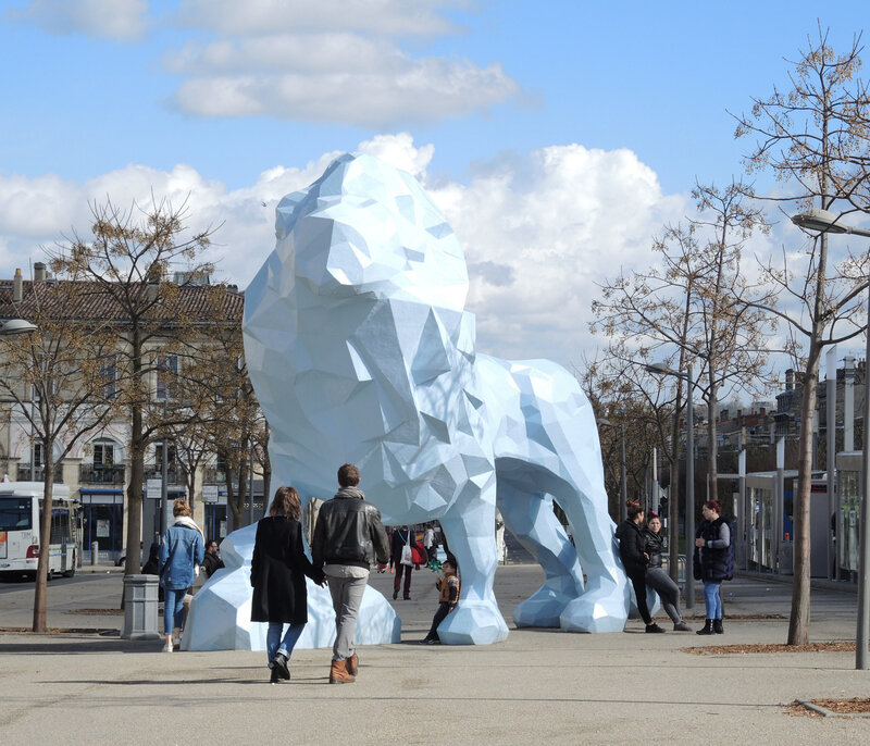 Bordeaux, place Stalingrad, lion bleu (33)