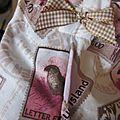 Culotte BIANCA en coton imprimé timbres rose et beige - coton imprimé timbre et coton blanc dans le dos - noued de vichy beige devant et sur les fesses (4)