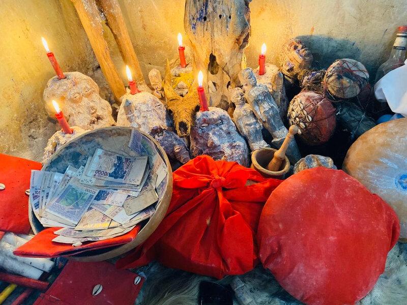 RITUEL DE LA MAGIE BLANCHE POUR DEVENIR RICHE PAR LE MEILLEUR MARABOUT AFRICAIN DJEHOSSOU