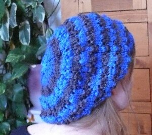 Slouch Arche bleu Océan porté