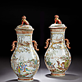 Importante paire de grands vases couverts en porcelaine famille rose, Chine, Dynastie Qing, Époque Qianlong (1736-1795). Photo ARTCURIAL - BRIEST-POULAIN-F.TAJAN