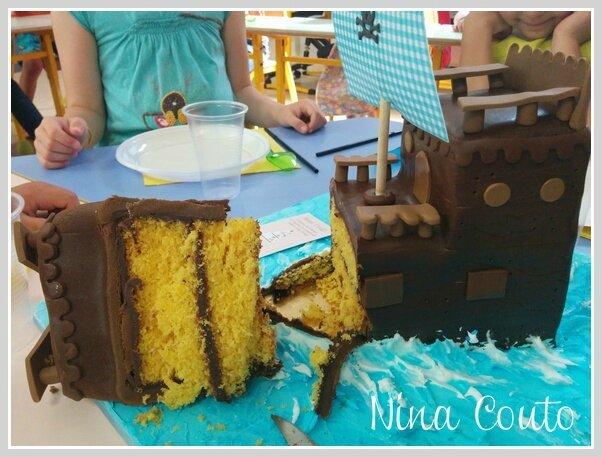 gâteau bateau pirate coupé1