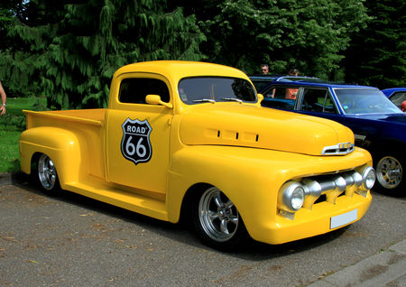 Ford_F1_pickup_de_1951__Retrorencard_juin_2010__01