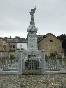 Fumay_monument