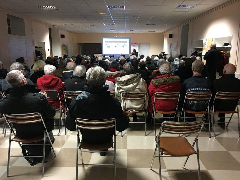 réunion publique anti stop Linky Avranches février 2018 AALGA Bretagne collectif sud Manche public salle