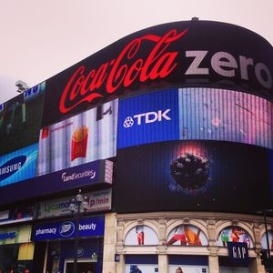 Picadilly_Circus_2