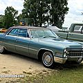 Cadillac de ville hardtop sedan de 1966 (Retro Meus Auto Madine 2012) 01
