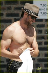Hugh_s_beach_body_hugh_jackman_4638305_816_1222