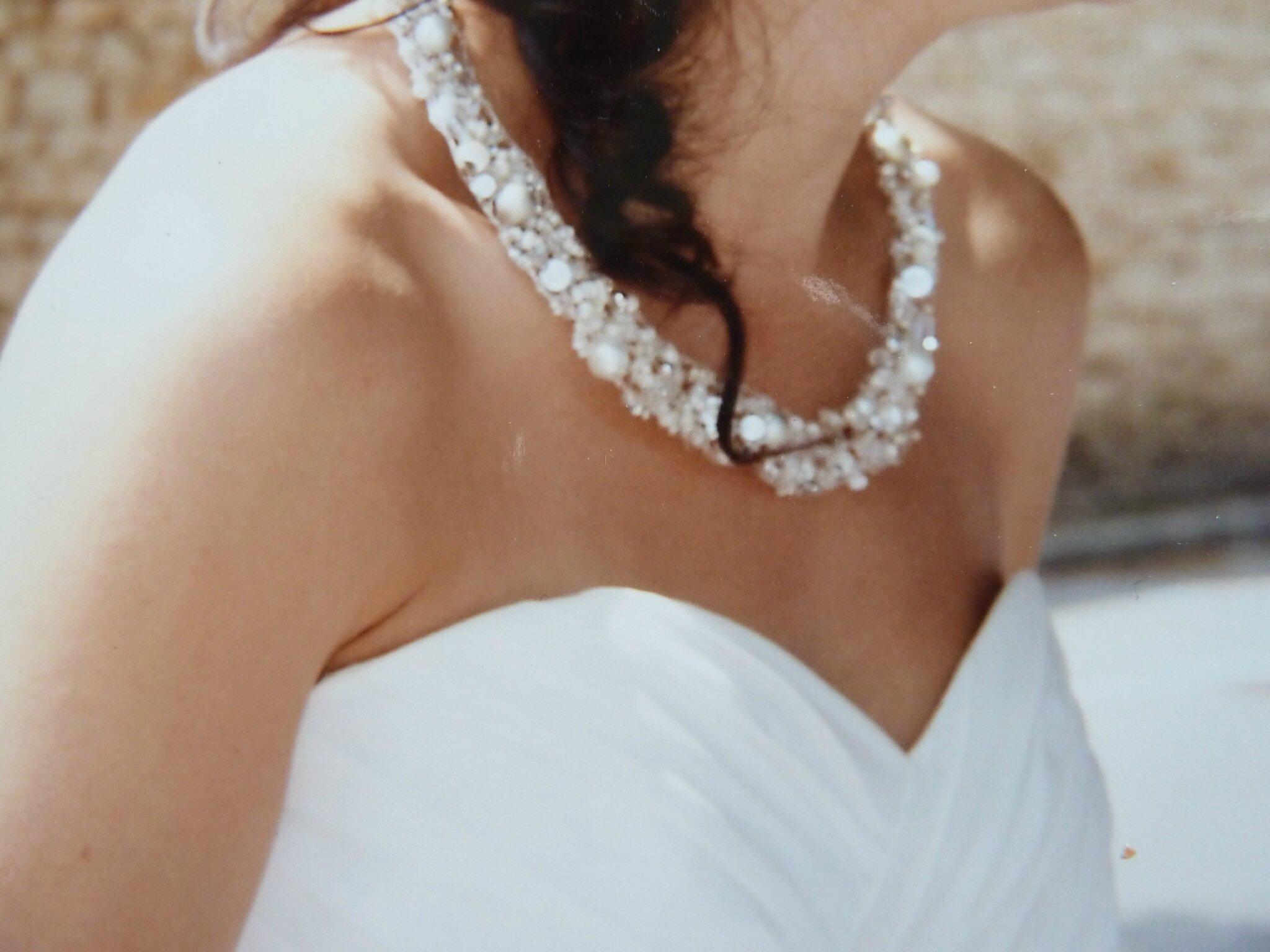 pour les mariées ,certains de ces colliers peuvent être confectionnés en blanc !cliquer sur la photo