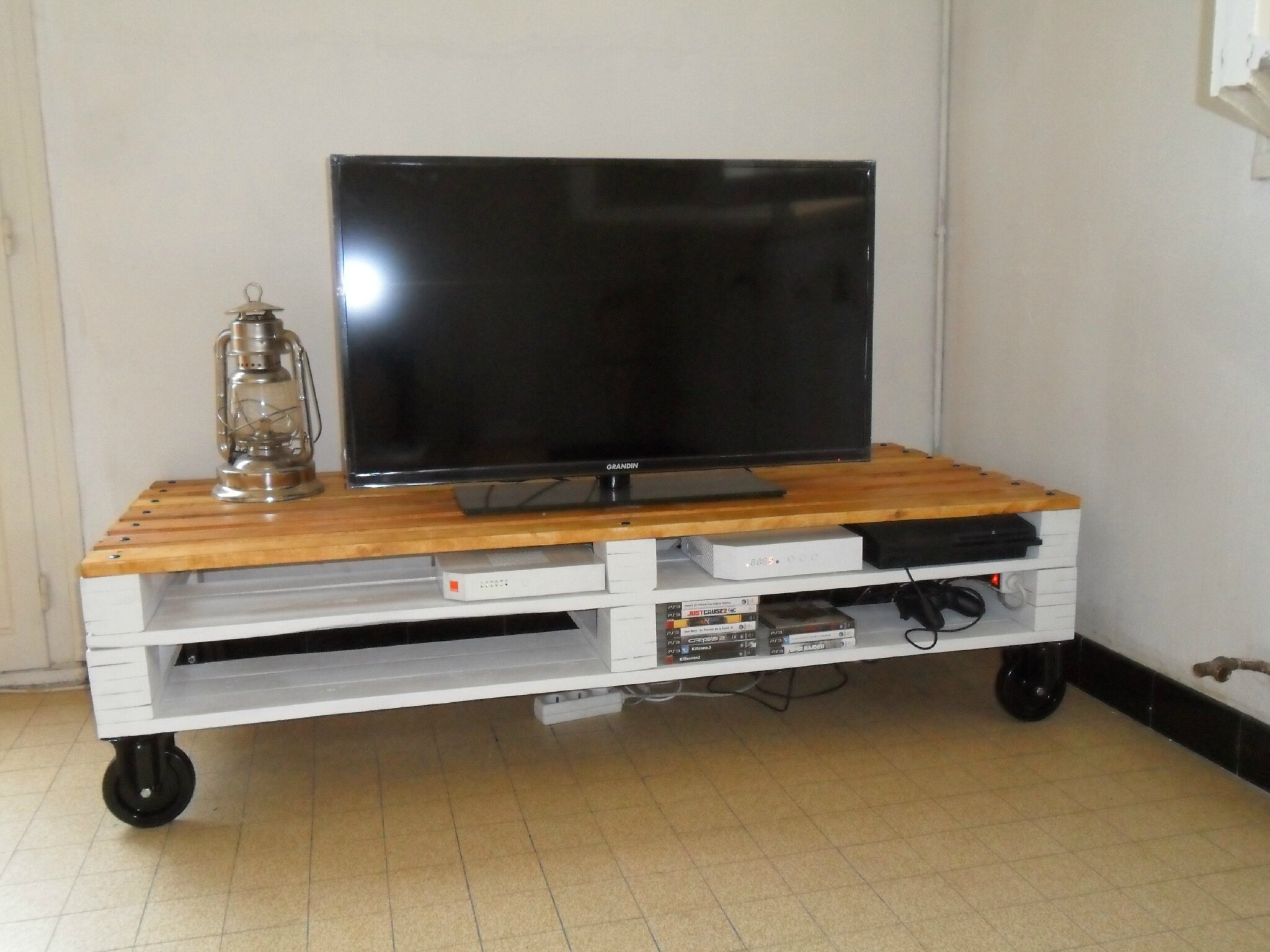 Mes meubles en palettes brico co - Meuble fabrique avec des palettes ...