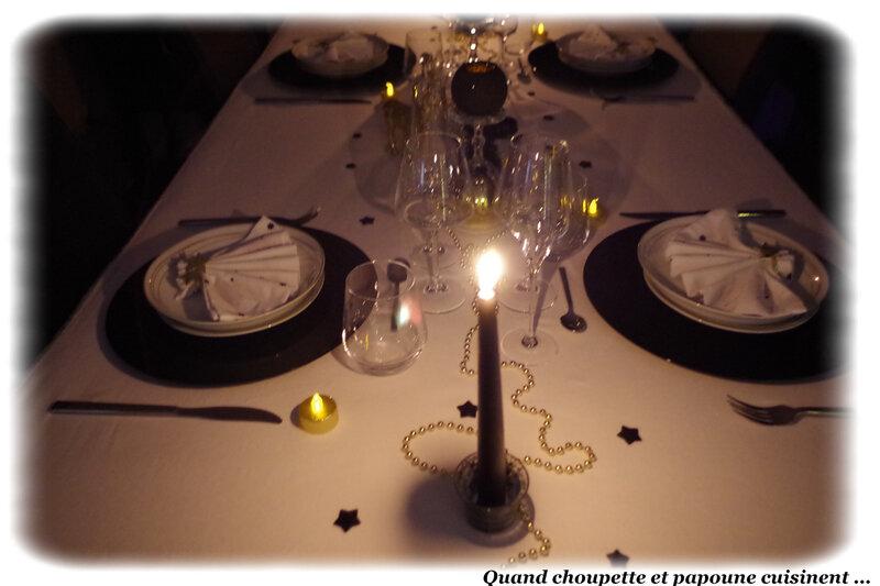 table du nouvel-an éclat d'or et noire-1317