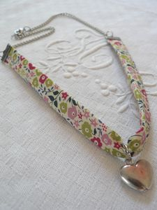 Collier_Fairford_anis_bis