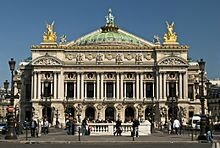 220px-Paris_Opera_full_frontal_architecture,_May_2009