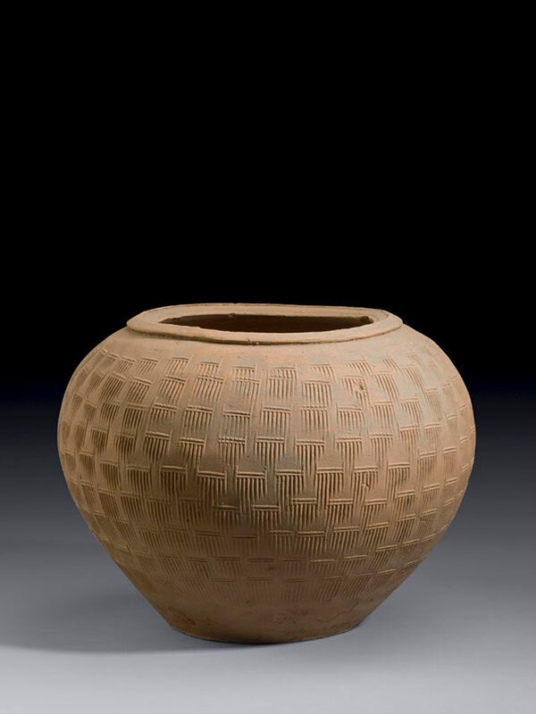 Pottery_jar_with_impressed_combed_pattern__China__Eastern_Han_dynasty__25___220____Ben_Janssens_Oriental_Art