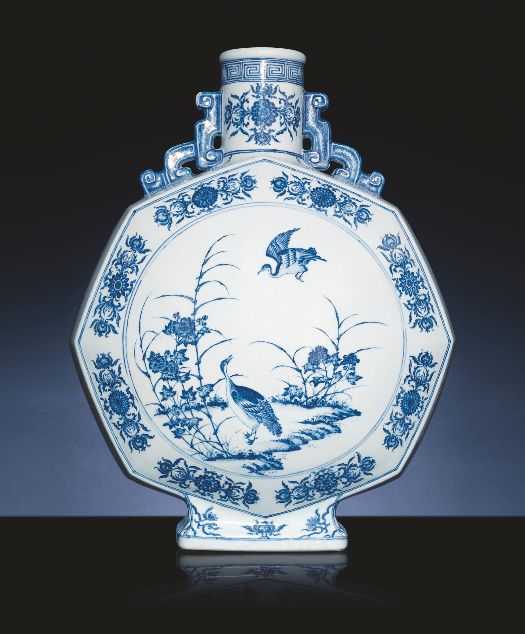 A magnificent and very rare underglaze-blue facetted moonflask, Yongzheng six-character sealmark and of the period (1723-1735)