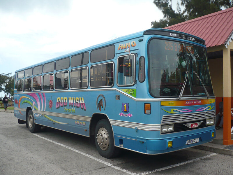 HINO autobus God Wish Travel Port Mathurin (1)